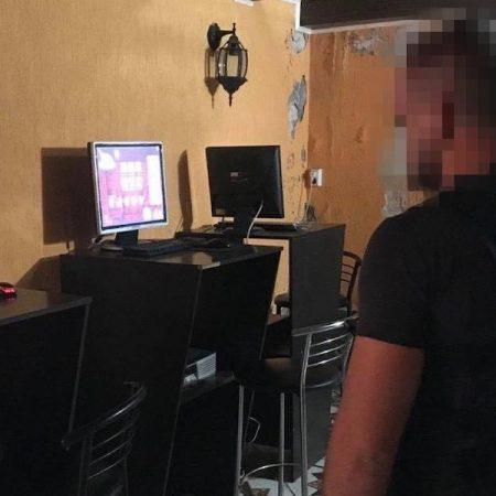 СБУ задержала прокурора и полицейского